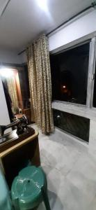Gallery Cover Image of 1350 Sq.ft 3 BHK Apartment for rent in Dhakuria for 30000