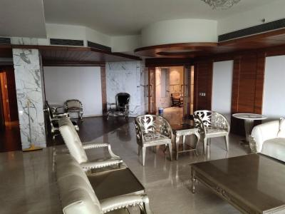 Gallery Cover Image of 6400 Sq.ft 4 BHK Apartment for rent in Sector 42 for 525000