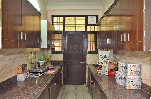 डीएलएफ़ फेज 1 में गंभीर हाउस के किचन की तस्वीर