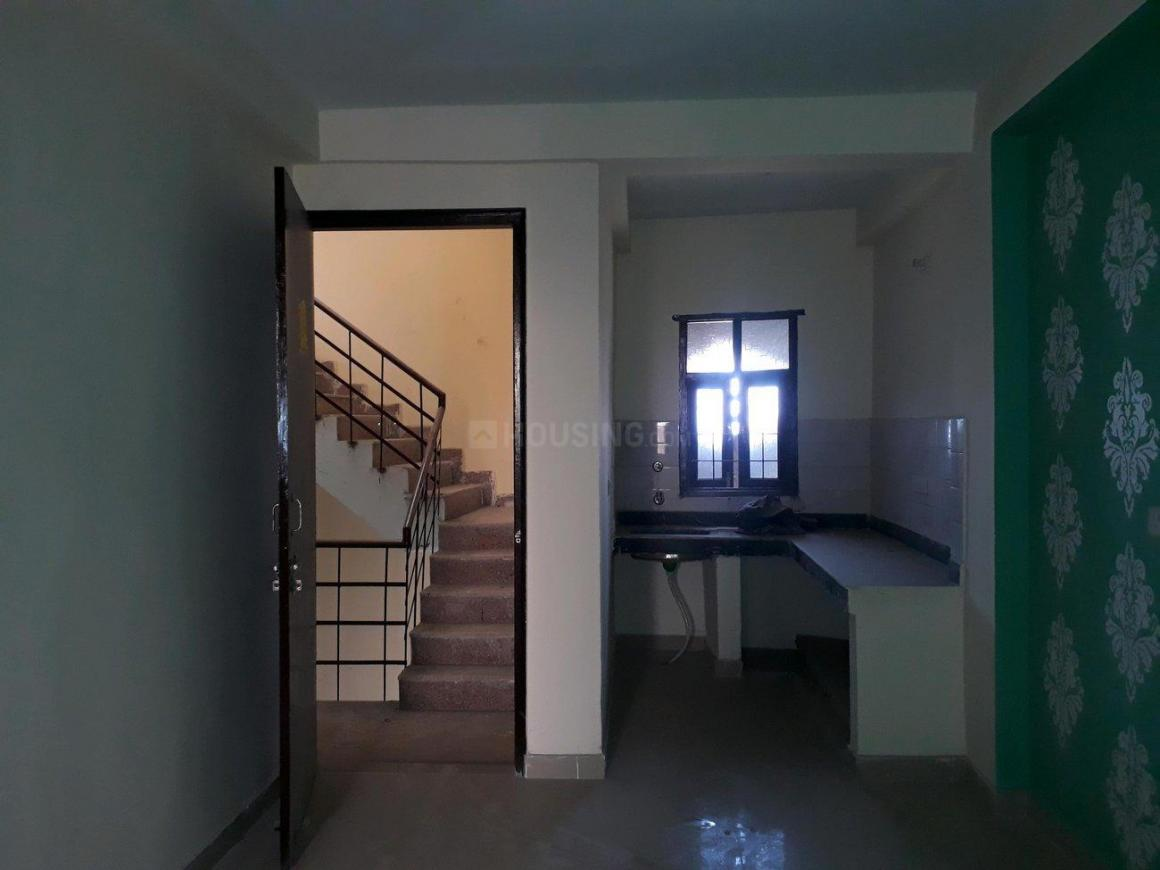 Living Room Image of 550 Sq.ft 1 BHK Apartment for buy in sector 73 for 1350000