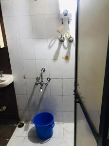 Bathroom Image of Rent O Room in Belapur CBD