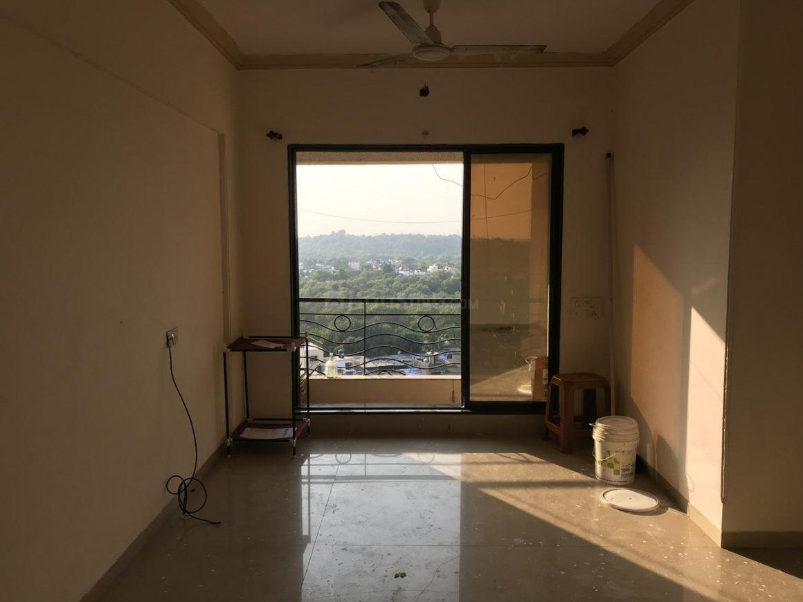 Living Room Image of 960 Sq.ft 2 BHK Apartment for rent in Kandivali West for 25000