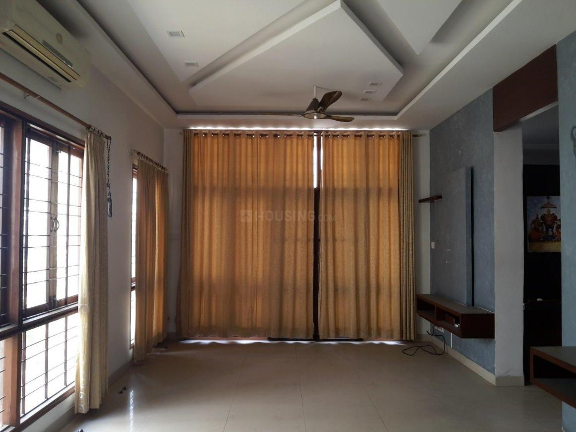 independent houses/villas for sale near kphb 7th phase bus stop