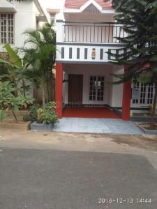 Gallery Cover Image of 1800 Sq.ft 3 BHK Villa for rent in Electronic City for 32000