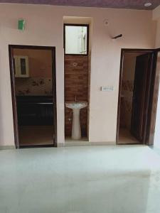 Gallery Cover Image of 1050 Sq.ft 3 BHK Independent Floor for buy in Kalwar for 2100000