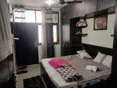 Gallery Cover Image of 550 Sq.ft 1 BHK Independent Floor for buy in Sant Nagar for 3000000