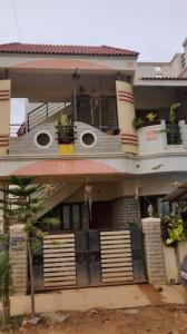Gallery Cover Image of 1100 Sq.ft 2 BHK Independent House for rent in Byrathi for 14000