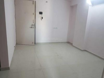 Gallery Cover Image of 1050 Sq.ft 2 BHK Apartment for rent in Mundhwa for 18000