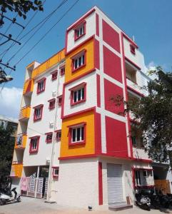 Gallery Cover Image of 4500 Sq.ft 8 BHK Independent House for buy in Subramanyapura for 19000000