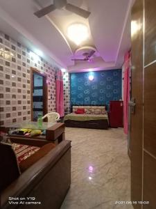 Gallery Cover Image of 570 Sq.ft 1 BHK Apartment for rent in Chauhan Builders Noida Residency, Sector 45 for 12000
