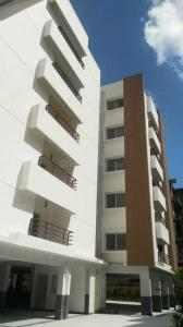Gallery Cover Image of 1730 Sq.ft 3 BHK Apartment for buy in Kukatpally for 11499000