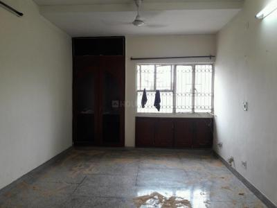 Gallery Cover Image of 1450 Sq.ft 3 BHK Apartment for rent in DDA Mig Flats Sarita Vihar, Sarita Vihar for 30000