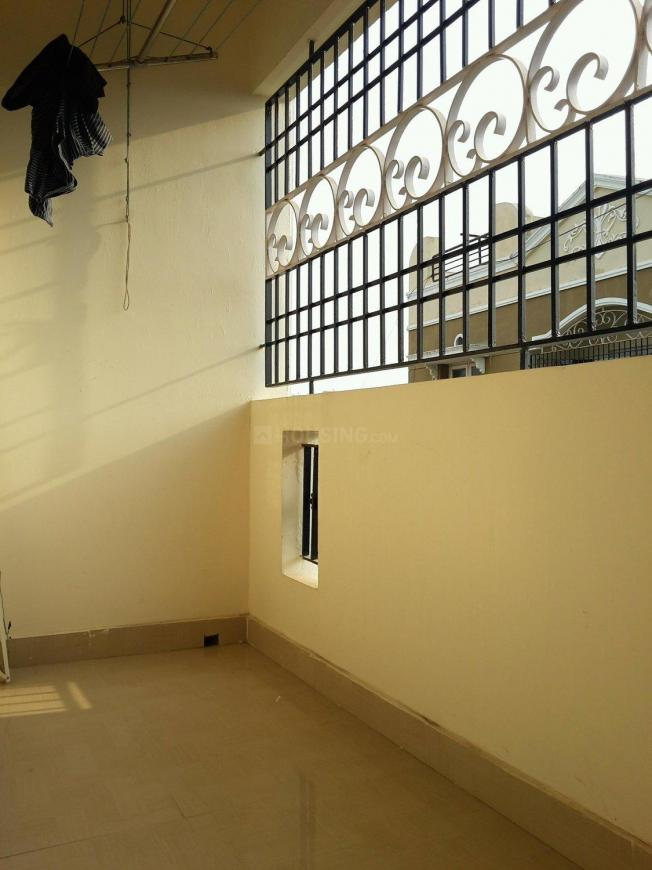 Living Room Image of 1004 Sq.ft 2 BHK Apartment for rent in Medavakkam for 18500