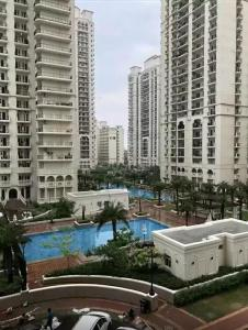 Gallery Cover Image of 1615 Sq.ft 3 BHK Apartment for buy in DLF Capital Greens, Karampura for 23400000