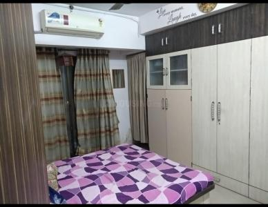 Gallery Cover Image of 912 Sq.ft 2 BHK Apartment for rent in Malad East for 35000