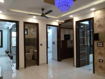 Gallery Cover Image of 550 Sq.ft 2 BHK Independent Floor for buy in Dwarka Mor for 2800000