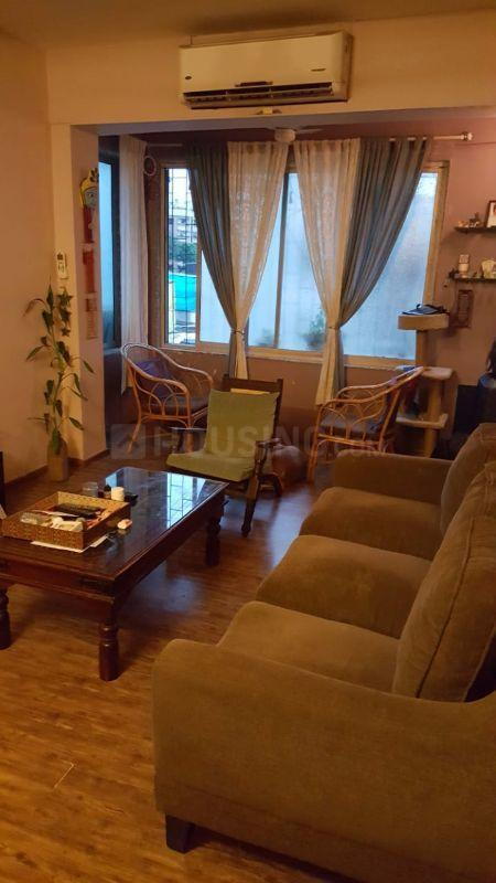 Living Room Image of 650 Sq.ft 1 BHK Apartment for rent in Juhu for 50000