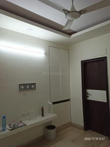 Gallery Cover Image of 1250 Sq.ft 3 BHK Apartment for buy in Arjun Appartment, Vikaspuri for 12500000