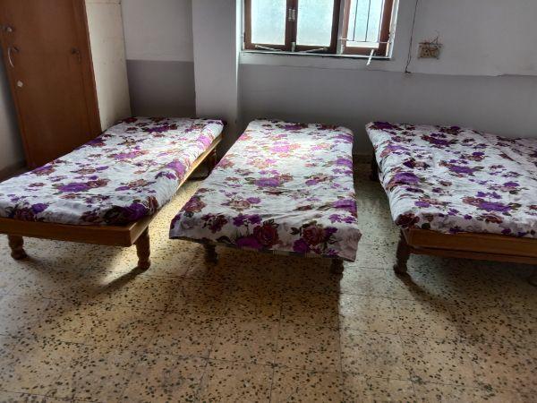 Bedroom Image of Girl's PG in Gurukul