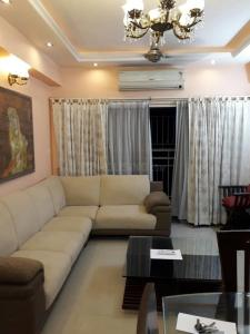 Gallery Cover Image of 1350 Sq.ft 3 BHK Apartment for rent in Jadavpur for 55000