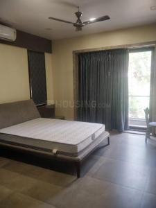 Gallery Cover Image of 2800 Sq.ft 3 BHK Independent Floor for rent in Anna Nagar for 100000