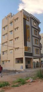 Gallery Cover Image of 750 Sq.ft 2 BHK Independent Floor for rent in Kodathi for 17000