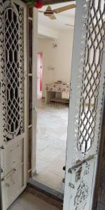 Gallery Cover Image of 1200 Sq.ft 2 BHK Apartment for rent in Simandhar Enclave, Ghatlodiya for 13000
