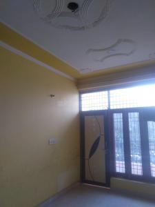 Gallery Cover Image of 2000 Sq.ft 2 BHK Independent Floor for rent in Sector 105 for 13000