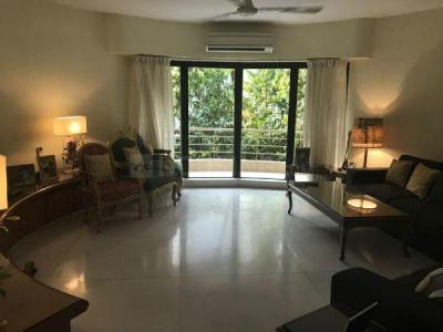 Gallery Cover Image of 2000 Sq.ft 3 BHK Apartment for buy in Khar West for 70000000