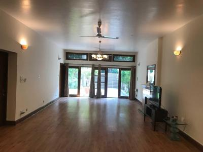 Gallery Cover Image of 550 Sq.ft 1 BHK Independent Floor for rent in Phi III Greater Noida for 7000