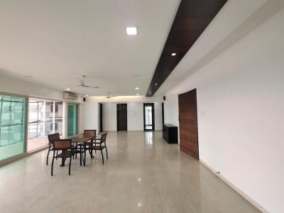 Gallery Cover Image of 2400 Sq.ft 4 BHK Apartment for rent in Juhu for 350000