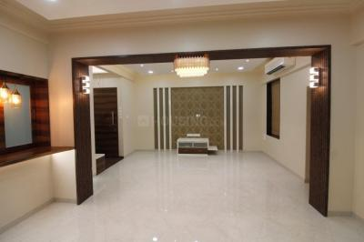 Gallery Cover Image of 2500 Sq.ft 3 BHK Apartment for rent in Churchgate for 250000
