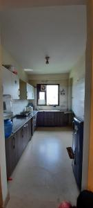Gallery Cover Image of 900 Sq.ft 2 BHK Apartment for rent in Saket for 26000