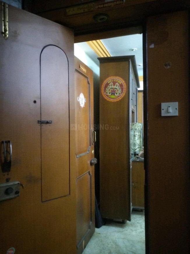 Main Entrance Image of 600 Sq.ft 1 BHK Apartment for rent in Borivali East for 24000