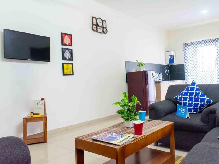एचएसआर लेआउट में ज़ोलो एलिसियम में लिविंग रूम की तस्वीर