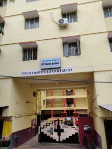 Gallery Cover Image of 1100 Sq.ft 2 BHK Apartment for rent in Rifco Santosh Apartments, Murugeshpalya for 23000