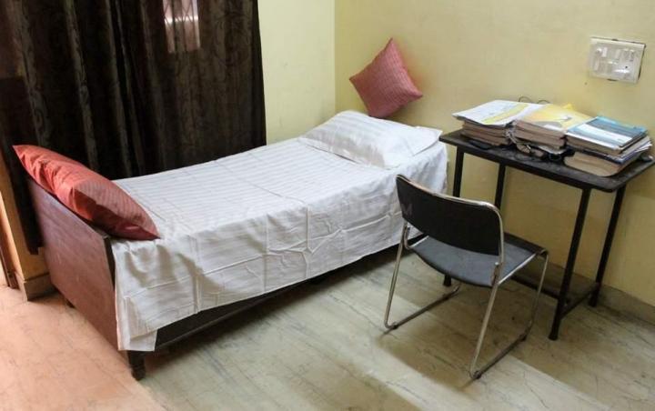 Bedroom Image of Aggarwal P.g in Chhattarpur