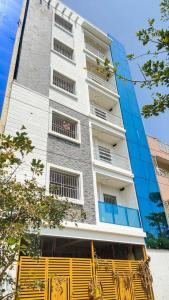 Gallery Cover Image of 3500 Sq.ft 10 BHK Independent Floor for buy in Doddakannelli for 27500000