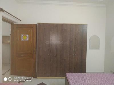 Gallery Cover Image of 450 Sq.ft 1 RK Independent Floor for rent in Ashok Vihar for 9000