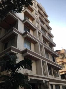 Gallery Cover Image of 1250 Sq.ft 2 BHK Apartment for buy in Dadar West for 36500000