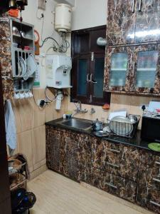 Gallery Cover Image of 1800 Sq.ft 3 BHK Independent Floor for buy in Arjun Nagar for 17000000