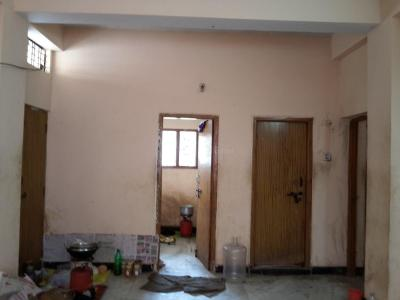 Gallery Cover Image of 750 Sq.ft 2 BHK Apartment for rent in Borabanda for 8000