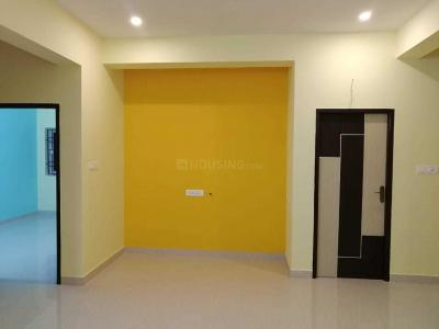 Gallery Cover Image of 940 Sq.ft 2 BHK Apartment for rent in Kolathur for 13000