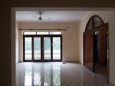 Gallery Cover Image of 2700 Sq.ft 3 BHK Independent Floor for rent in Panchsheel Park for 60000