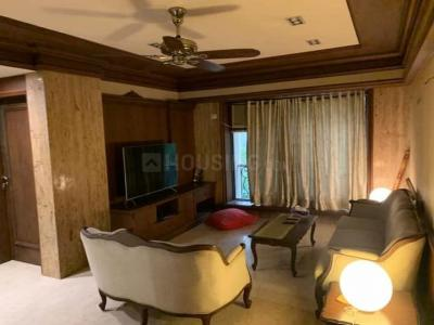 Gallery Cover Image of 1200 Sq.ft 3 BHK Apartment for rent in Ratnagiri Apartments, Khar West for 120000