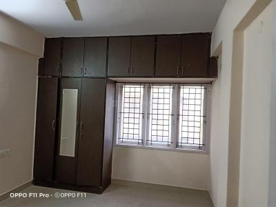 Gallery Cover Image of 1350 Sq.ft 3 BHK Apartment for rent in Celebrity Mansion, Mahadevapura for 23000