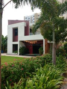 Gallery Cover Image of 912 Sq.ft 2 BHK Apartment for rent in Hadapsar for 14000