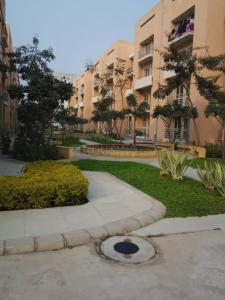 Gallery Cover Image of 1255 Sq.ft 3 BHK Apartment for rent in Sector 85 for 13000
