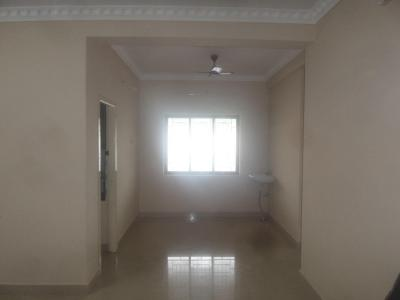Gallery Cover Image of 900 Sq.ft 2 BHK Apartment for rent in Velachery for 14000