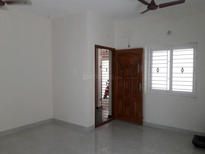 Gallery Cover Image of 850 Sq.ft 2 BHK Apartment for rent in Aminjikarai for 23000